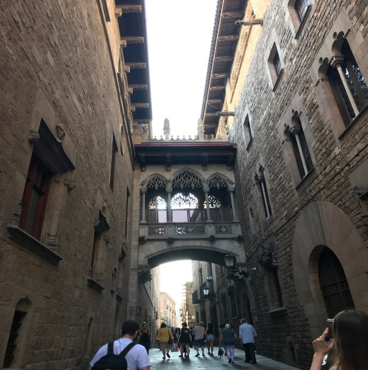 historic streets of Gothic Quarter