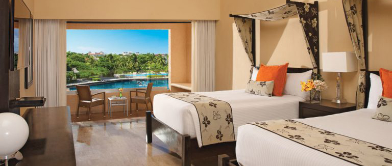 Dolphin room and Dreams Puerto Aventuras